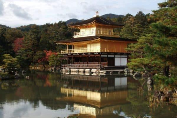 kyoto-japan-kinkaku-ji-temple
