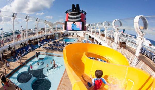 cruise-ship-family-disney-1024x683