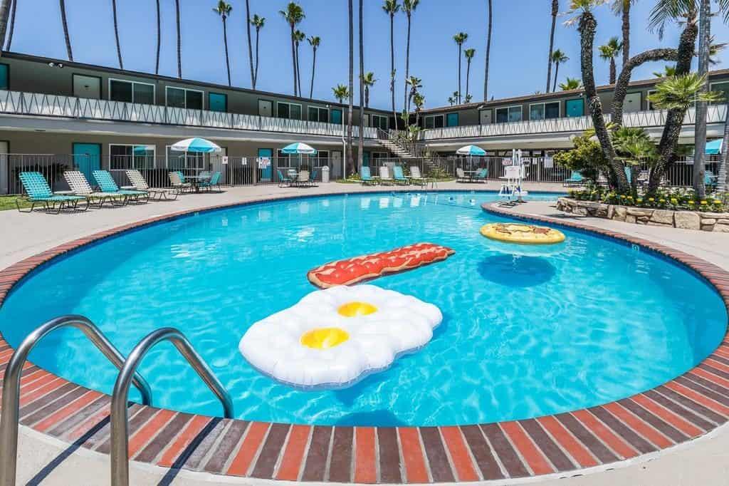 San Diego, Memorial Weekend, 2.5* Kings Inn Hotel, -73%