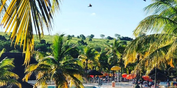Outdoor pool view of Thermas dos Laranjais in Brazil, the biggest water park in South America